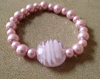 Pink pearl beaded stretchy bracelet