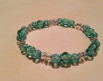 Blue beaded stretchy bracelet
