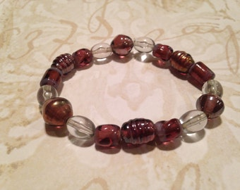 Purple glass beaded stretchy bracelet