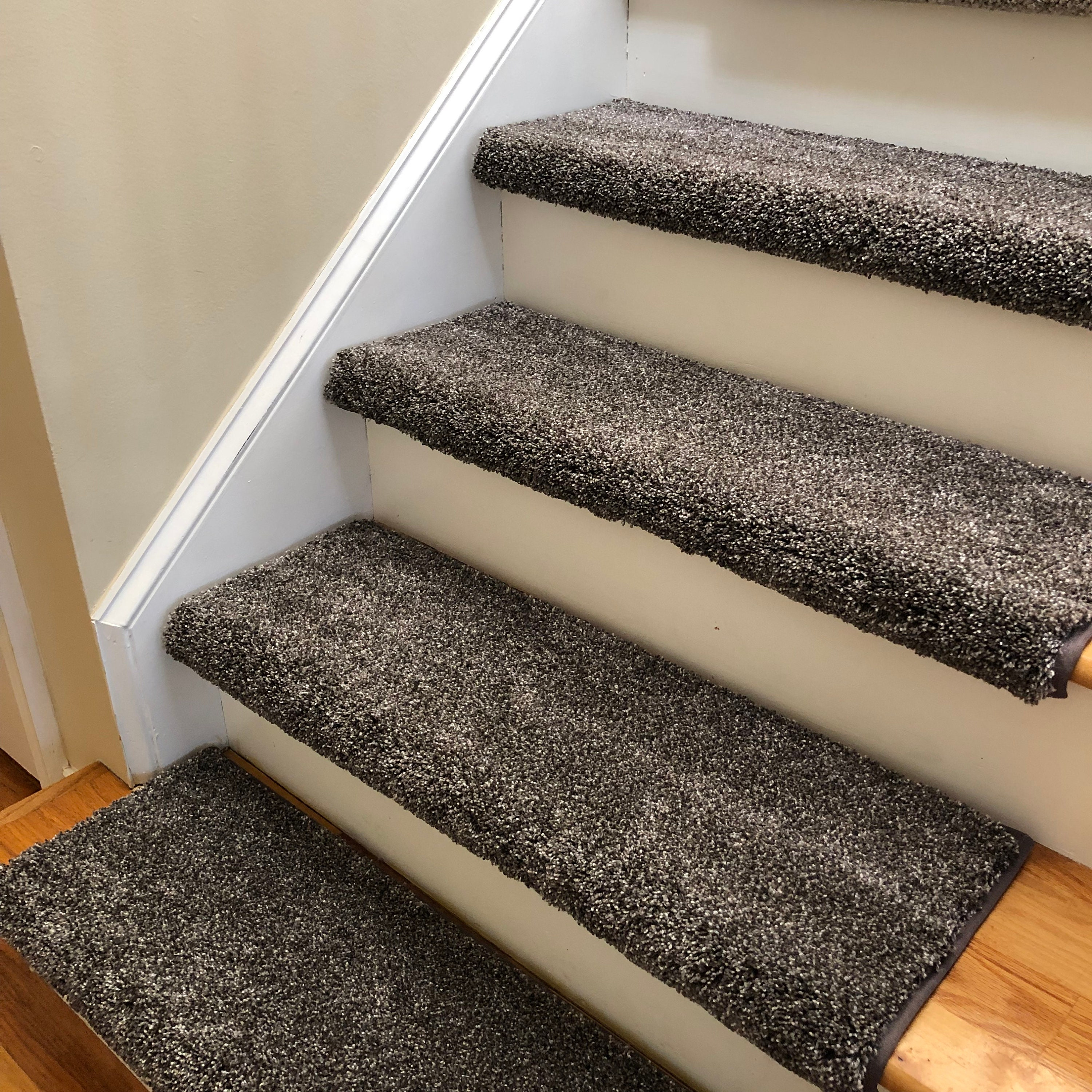 Broadway Cats True Bullnose™ Shaw Plush Padded Carpet Stair