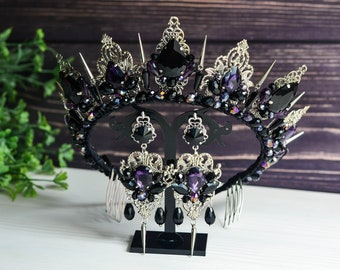 Gothic wedding crown with thorns, black crown in the Gothic style, black crown, Gothic tiara, Black and red tiara, Black earrings, crowns