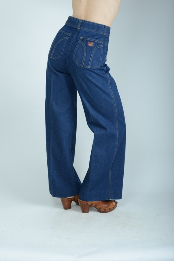 "1970's Levis high waist wide leg flare jeans, 28"""