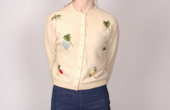 1950s embroidered wool tropical fruit appliqué nov