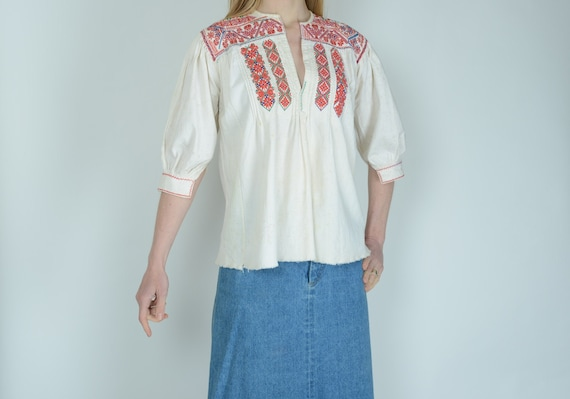 1930s Hungarian ethnic embroidered smock top blous
