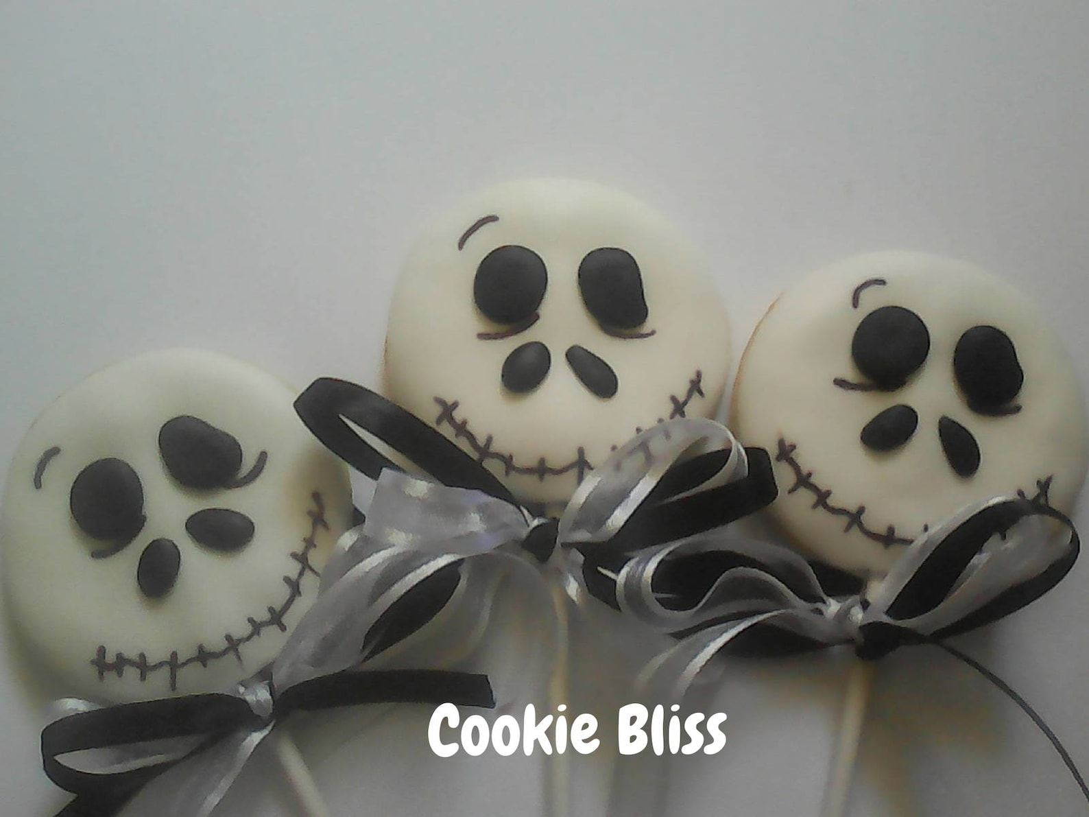Skull Cookie Pops