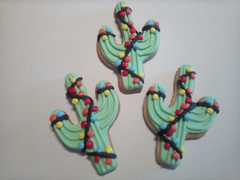 12 Christmas Light Cactus Cacti Sugar Cookies Decorated Cookies Wild West Cookie Desert Cookies Arizona Edible Baked Goods Cookie Favor