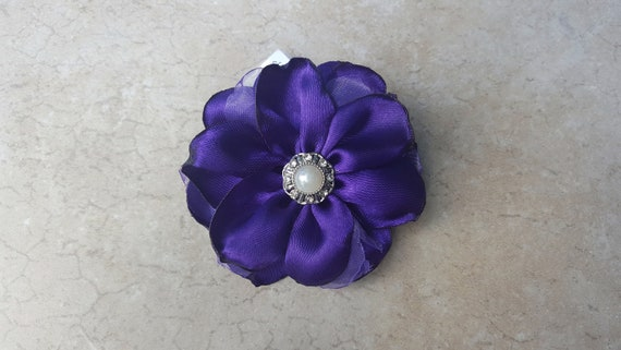 Pearls Purple Silk Flowers and Rosettes 16 Inches Long and 5//8 Inch Wide. Dog Collar Floral Design Adorned with Beads Nylon