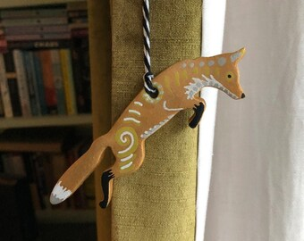 Fox Clay Ornament - Bronze Copper Patterned Leaping Fox Clay Hanger Gift - British Wildlife Gift - Keep the Ban - Unique Animal Rights Gift