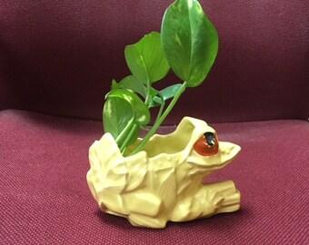 McCoy Pottery, Frog Planter, yellow Frog Planter  USAPottery, McCoy pottery planter, Made in USA 1950s planter, Art pottery