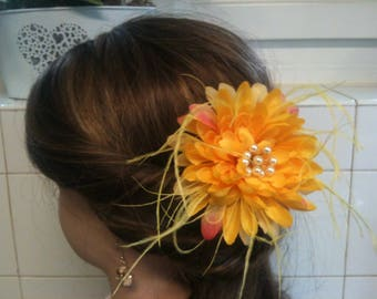 jewelry, feather and flower dahlia/jewelry decorative yellow/yellow/pin/barrette/comb flower jewelry, feather hair/lapel pin / Bobby