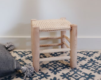 Moroccan boho in raw wood Stool in cannage