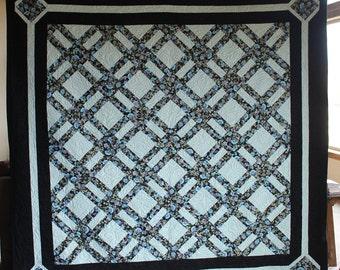 "Sparkle Blue Lattice - Handmade quilt, queen size - 88"" by 89"""