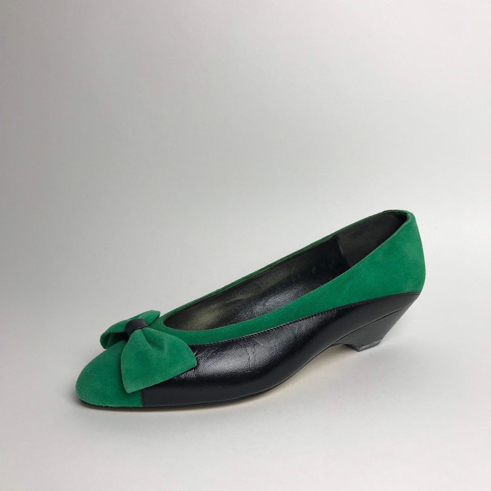 vintage pumps / pointed toe flats / vintage shoes / bow shoes / bow pumps / plack pumps / green pumps / leather ballet flats / s