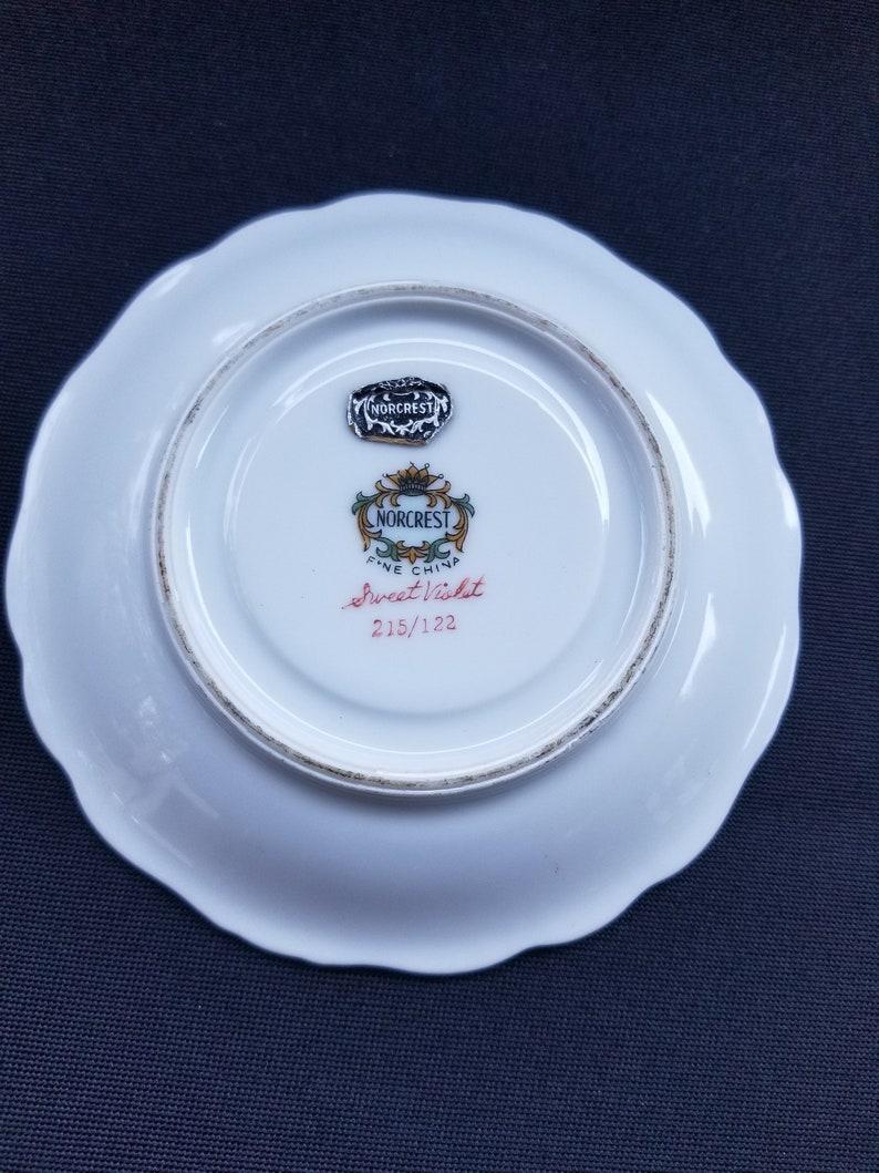 Vintage Norcrest Fine China Sweet Violet Saucer Scalloped Gold Trim 215122 5 *