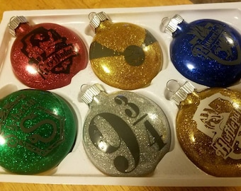 Set of 2 or 4 Harry Potter ornaments