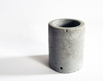 SHOT1 geometric concrete vessel / mini air plant holder / succulent planter / cement pot / raw industrial / modern tableware / shot glass
