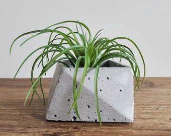ANGL geometric concrete bowl / unique candle holder / succulent planter / cement pot / polygon dish / raw industrial / modern grey triangles