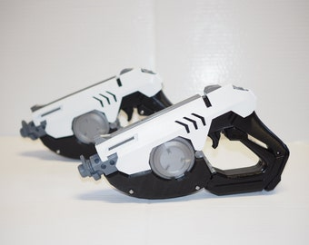 Tracer's Pulse Gun Overwatch. Lights up with Trigger!