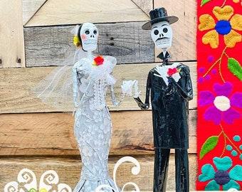 Small Bride & Groom Papel Mache Set - Day of the Dead Cake topper - Wedding Decor