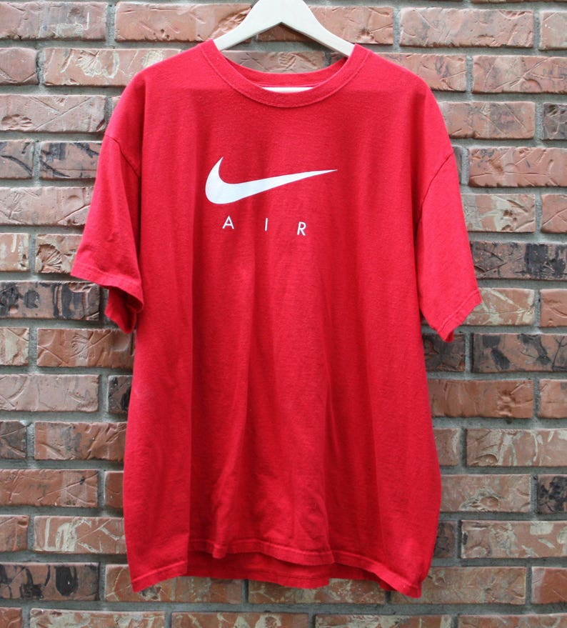 0589eceeba2c8 Vintage 90's Nike Air Red T-Shirt Men's XL