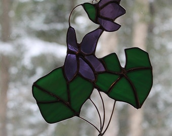 Stained Glass Violet with Green Leaves