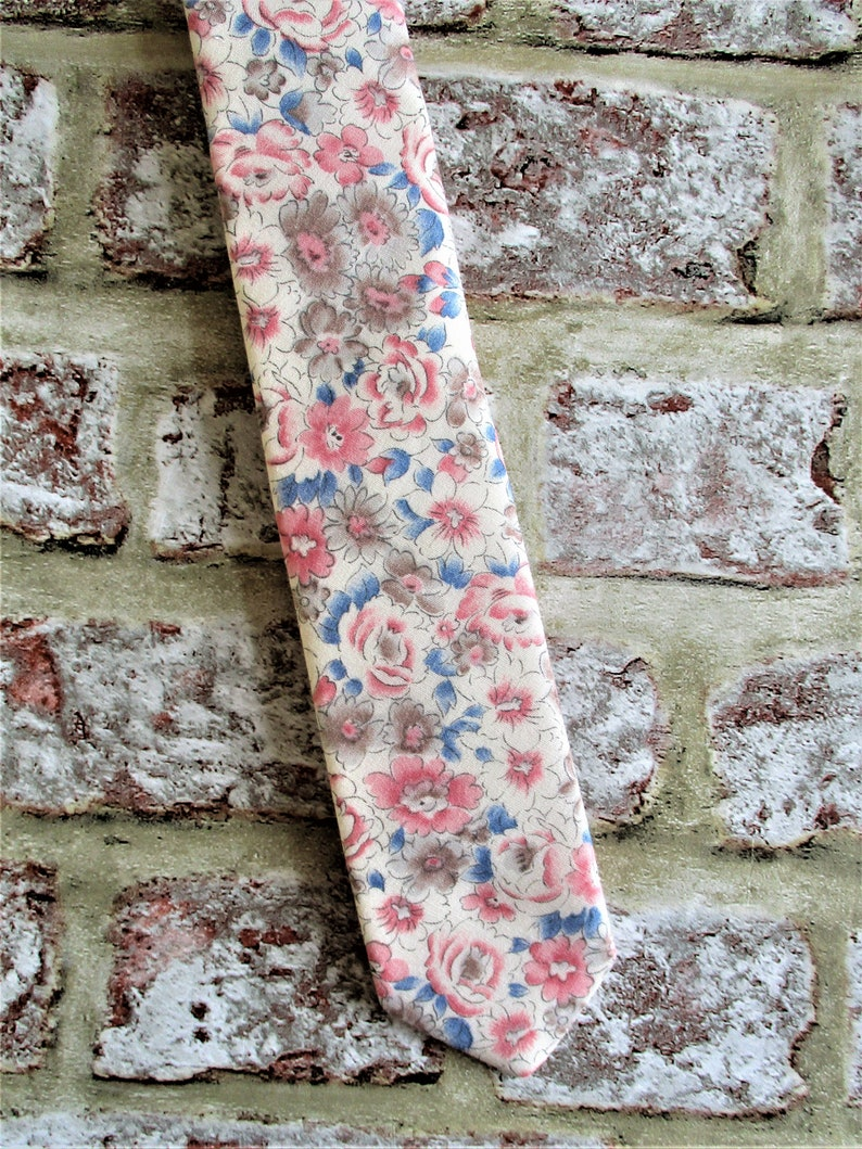 Handmade tie vintage cotton fabric floral slim fit.  Gift image 0