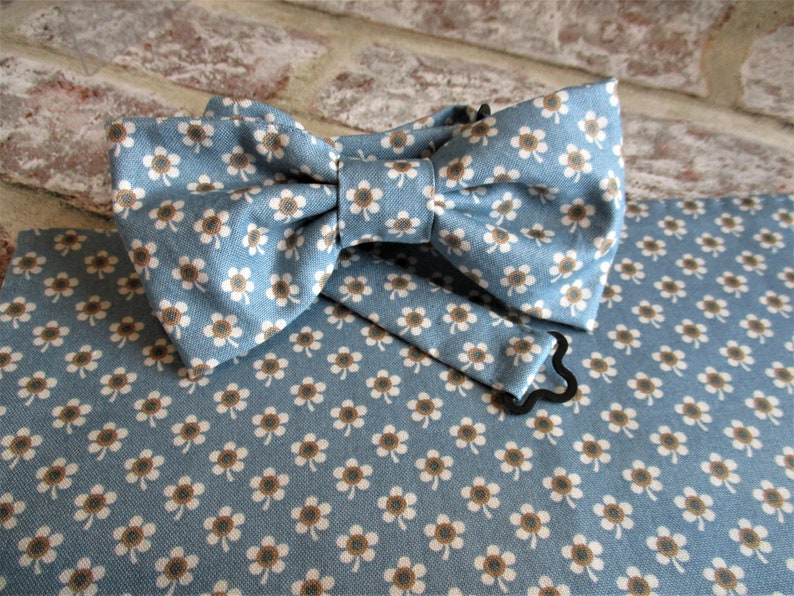 Handsewn floral bow tie and pocket square  gift for him image 0