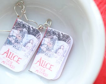 Alice in wonderland earrings and necklace