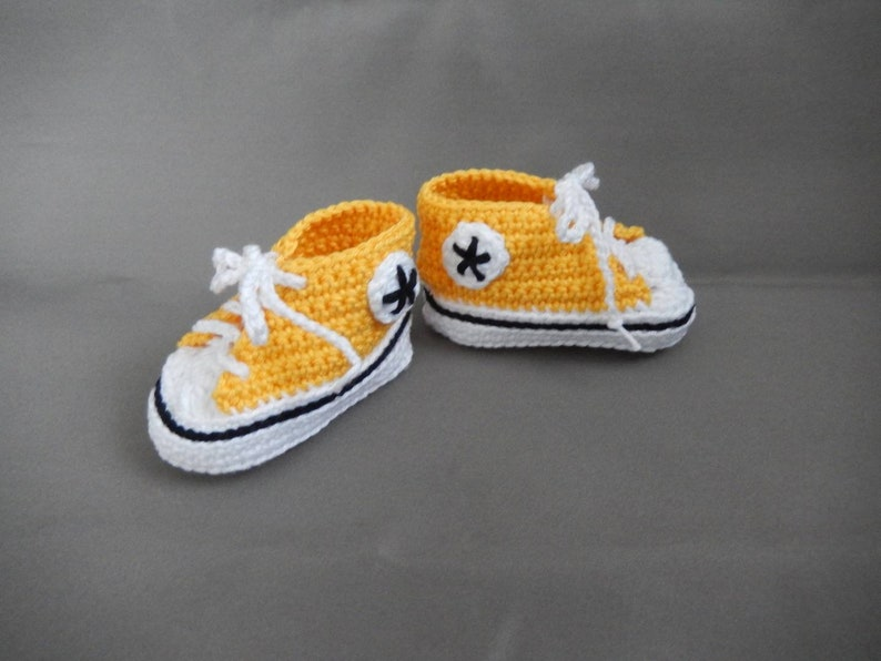42edc2992b79 Crochet Converse All star baby booties slippers shoes sneakers