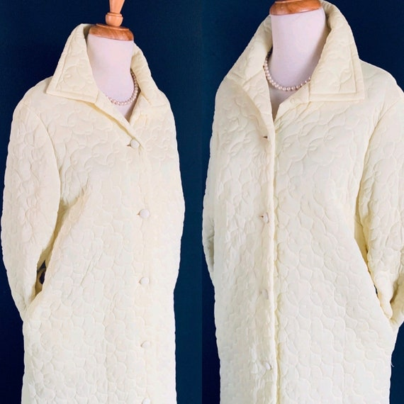 Vintage robe 60s robe Luxurious robe quilted robe