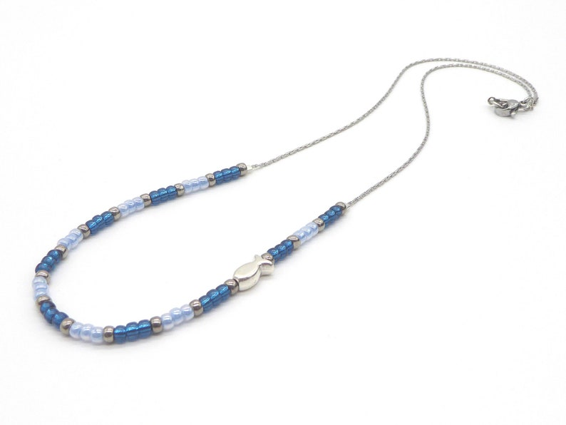 delicate necklace in Miyuki seed beads blue with fish silver image 0