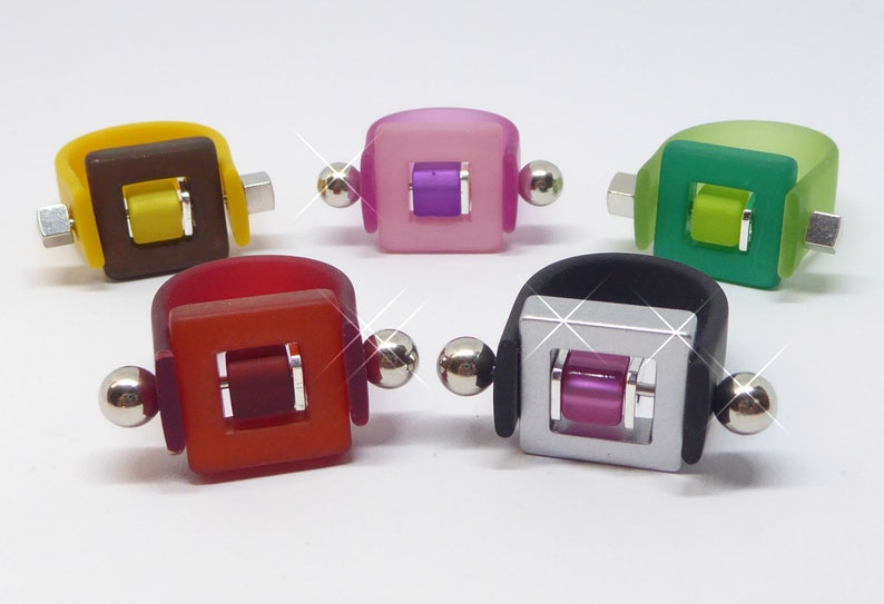 Ring finger ring with square and cube many colors to choose image 0