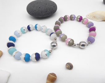 Bracelet made of Polaris half beads, different colors possible, with elastic band, carabiner or magnetic closure, gift woman