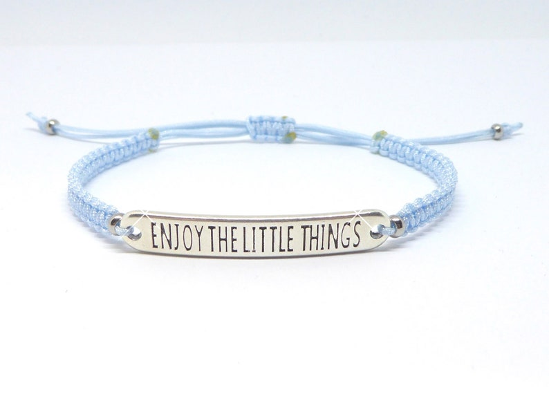 Macrame bracelet saying 'enjoy the little things' image 0