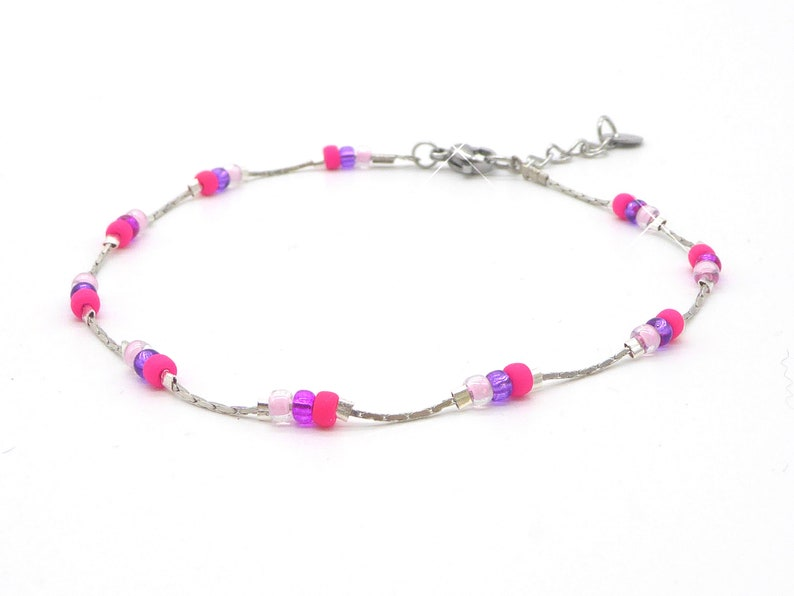 delicate bracelet in Miyuki seed beads pink pink with image 0