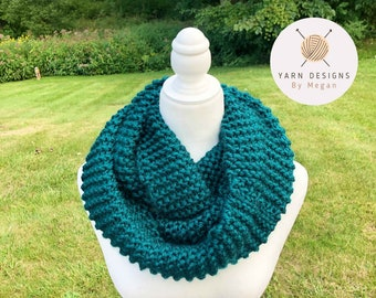 Teal Infinity Scarf, Chunky Knit Scarf, Circular Scarf, Super Bulky Scarves, Chunky Accessory, Winter Gift, Halloween Scarf, Warm Scarf