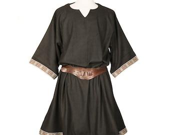 LARP Tunic / Black with ornate Brading / Wool / Cosplay Costume / Medieval / SCA / Viking Tunic / LARP / Costume