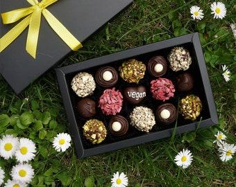 Vegan chocolate truffles | Coconut Milk+Raisins+Dried Apricots+Rum+Dark Chocolate, 250 g. Free shipping. Artisan chocolate truffles Handmade