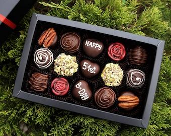 Vegan HAPPY BIRTHDAY! Personalised Box of 15 mix artisan chocolates. Free shipping. Belgian Artisan Chocolate truffles. Handmade chocolate