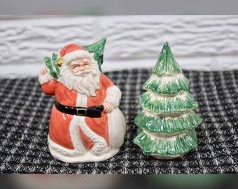 Vtg 1989 OCI Santa Christmas Tree Salt & Pepper Shakers