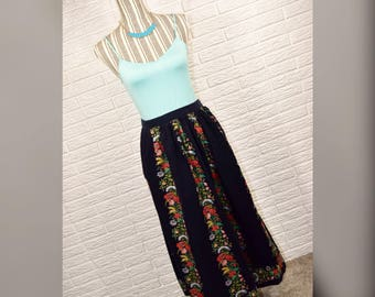 Vtg 70s/80s Herman Geist Navy Blue Floral Corduroy Maxi Skirt