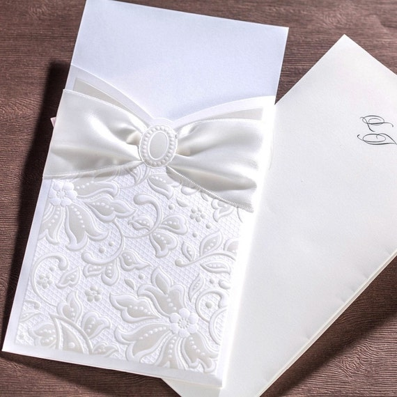 50 White Bow Embossed Wedding Invitations with Envelopes