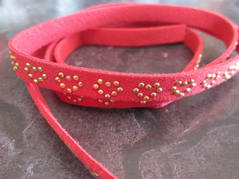 1 m red suede with 10 mm heart Golden rivets