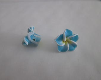 4 beads polymer clay flower light blue, yellow and white 15mm