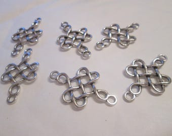 2 Chinese knot connector silver 30 x 18 mm
