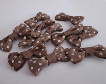 2 30 * 15mm Brown bow ties