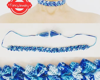 Choker in blue with tassel