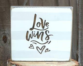 Photo Block 'Love Wins'