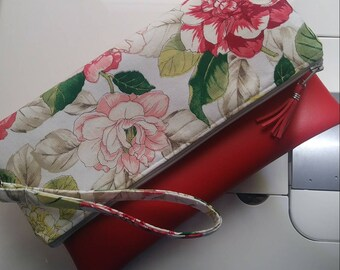 Clutch Red with flowers