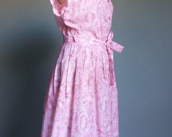 Pretty vintage 1960s pink tea dress / button through / tie waist / short sleeve